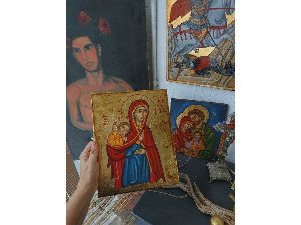 The size of the Holy Mother icon
