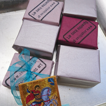 Packaged and ready mini St George favors