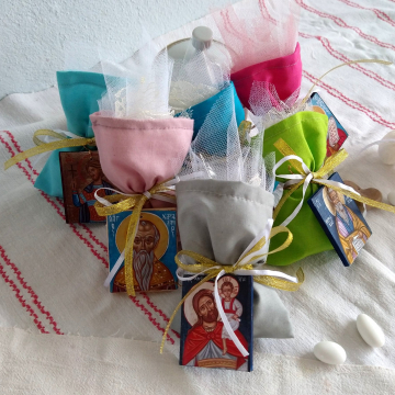 Personalised Baptism bonbonniere - 25 Fully Customizable gifts for Christening guests with mini Icon Favors -Sugar coated almonds Cotton bags tulle and ribbons