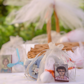 Orthodox Baptism favors, 10 pcs greek mini byzantine icon art prints on wood, organza bag sugar coated almonds,christenining gift with the Saint of your choice