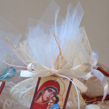 Lace bombonniere with Holy mother and Child ,first communion, birth icon favor baptism confetti 10 canvas pouches with mini icon charms