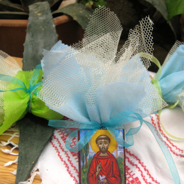 St Francis of Assisi bomboniere for baby- baptism gift for guests tulle sugared almonds -christening confirmation first communion favors mini icons